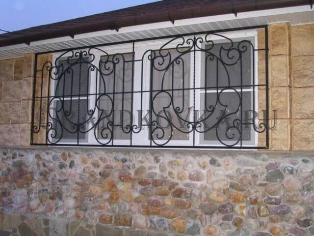 Решетка на окно с орнаментом КРЕШ-26