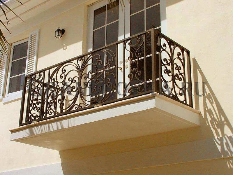 Фото кованого балкона 20