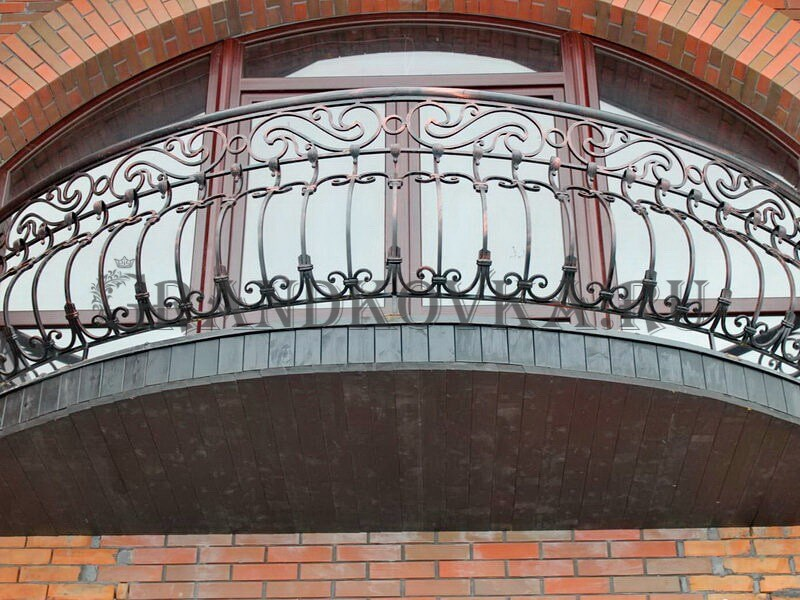 Фото кованого балкона 21