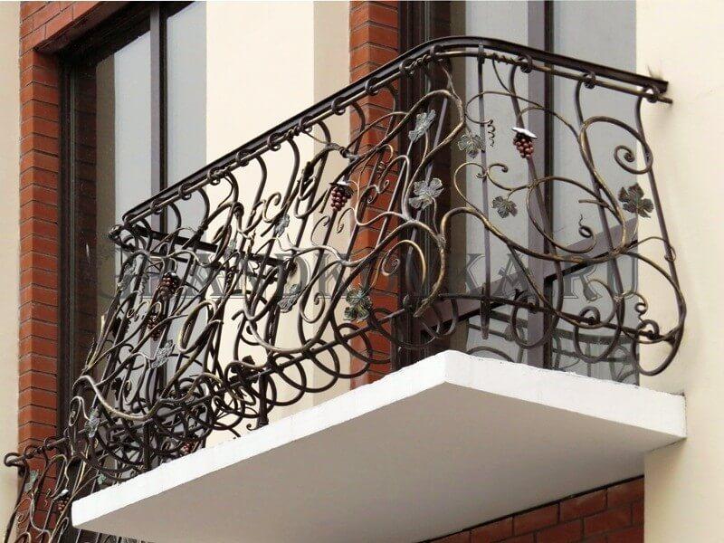 Фото кованого балкона 22