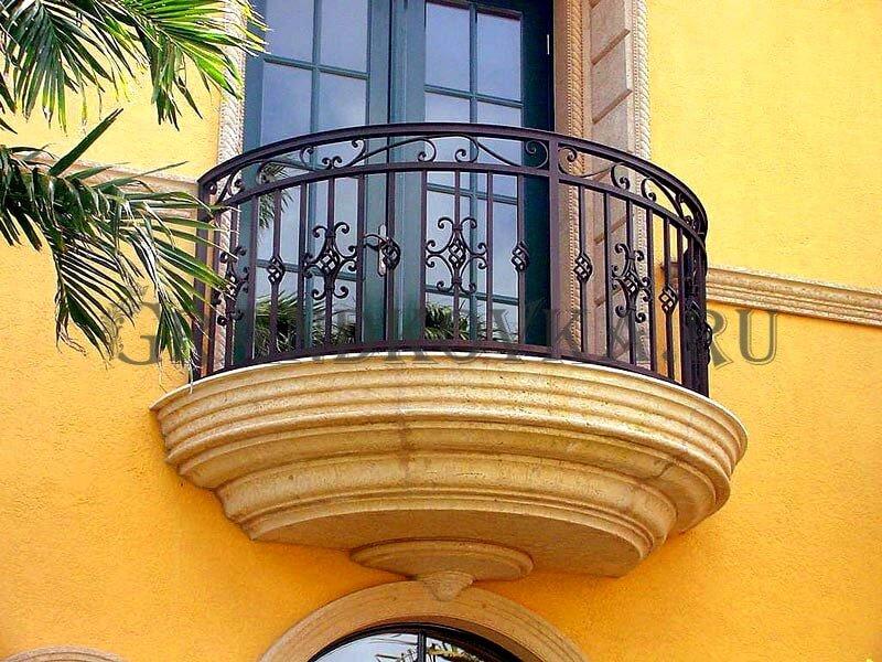 Фото кованого балкона 25
