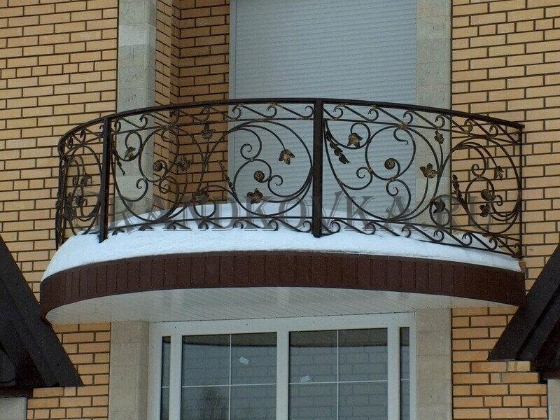 Фото кованого балкона 26