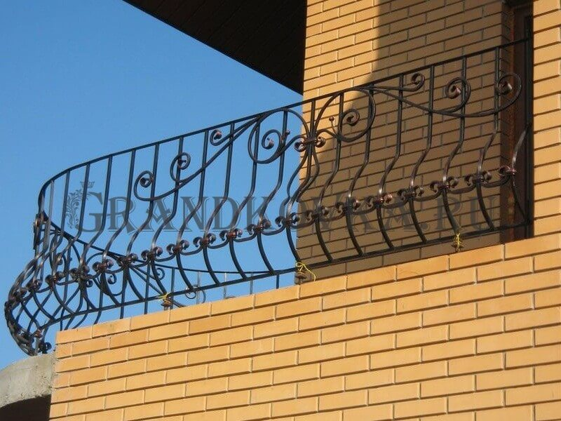 Фото кованого балкона 27