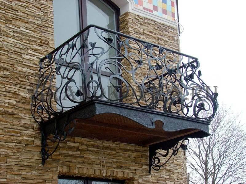 Фото кованого балкона 29
