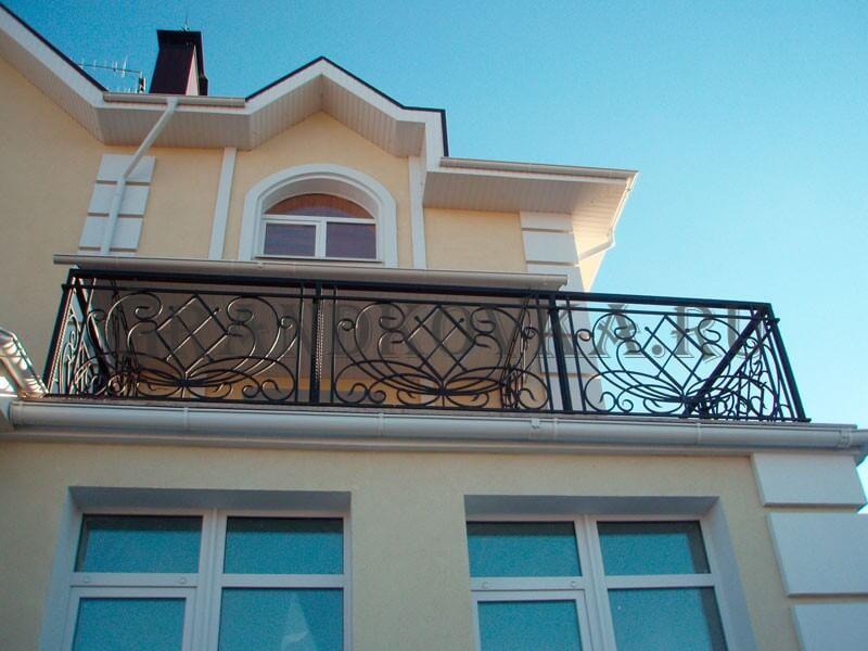 Фото кованого балкона 3