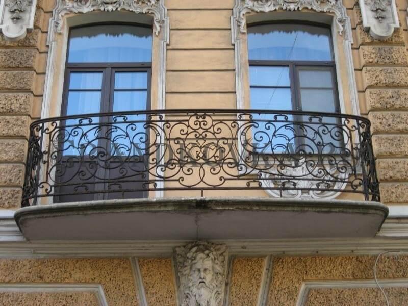 Фото кованого балкона 4