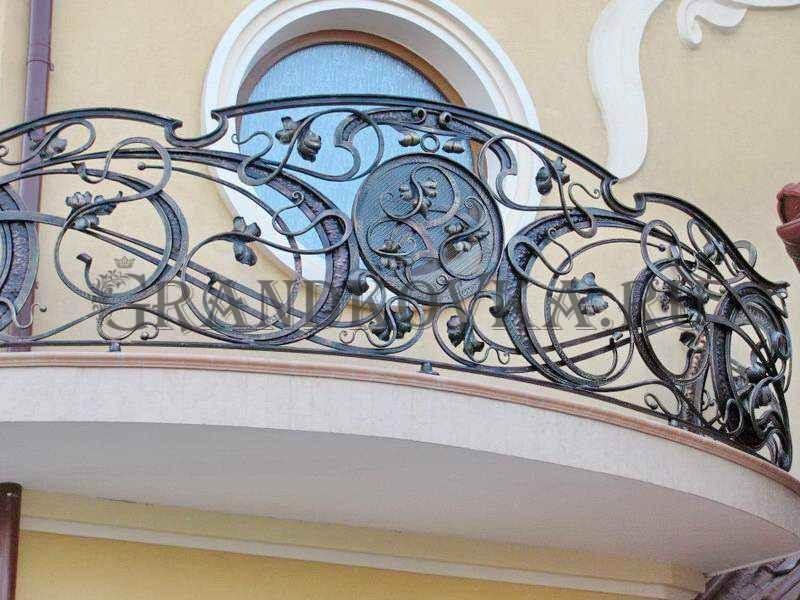 Фото кованого балкона 5