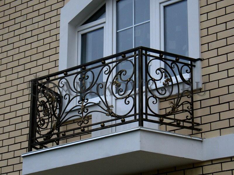Фото кованого балкона 9