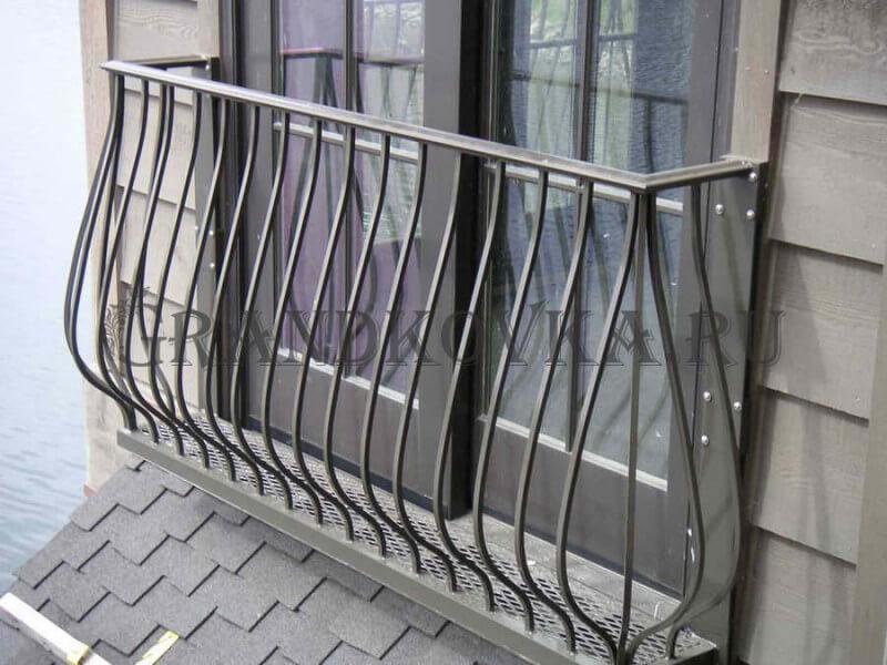 Фото французского кованого балкона 1