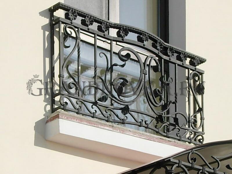 Фото французского кованого балкона 12