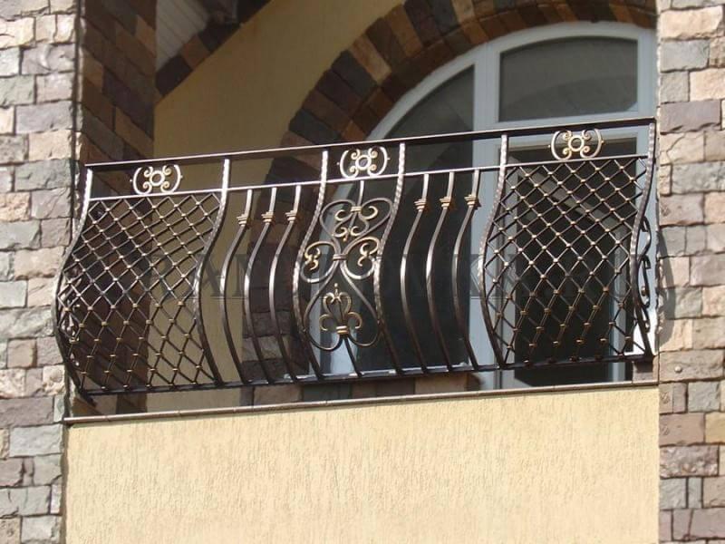 Фото французского кованого балкона 14