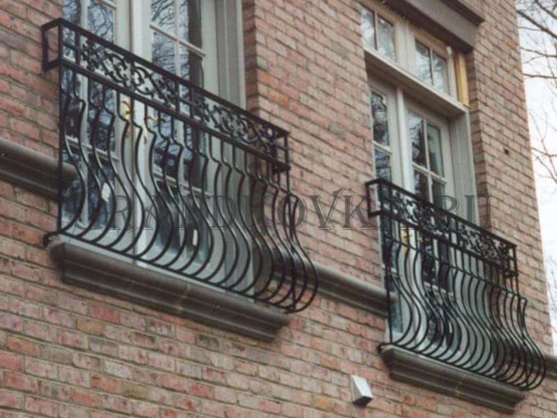 Фото французского кованого балкона 16