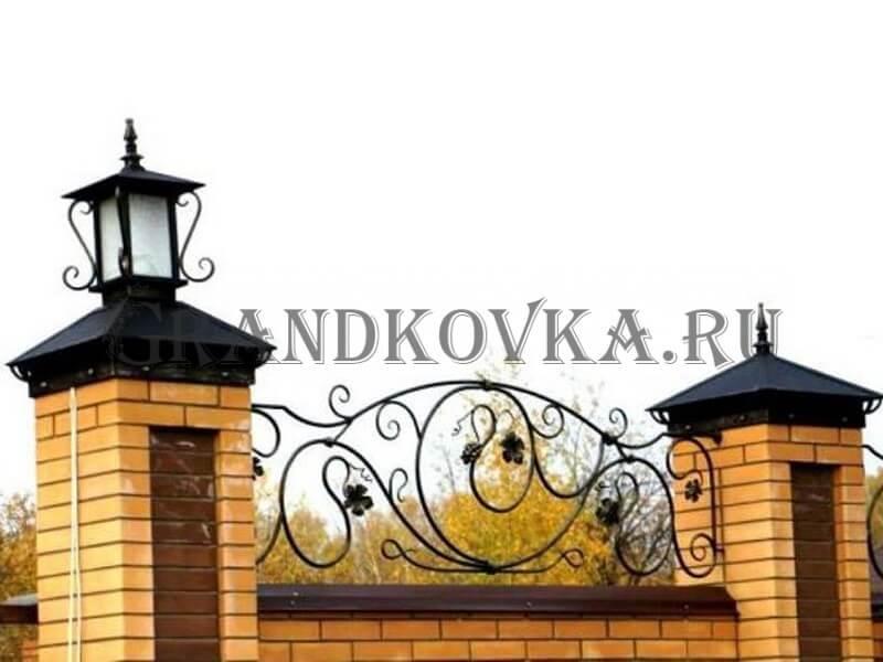 Фото кованых колпаков на кирпичные столбы 1