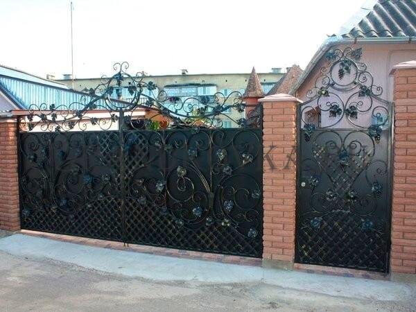 Фото кованых распашных ворот 101