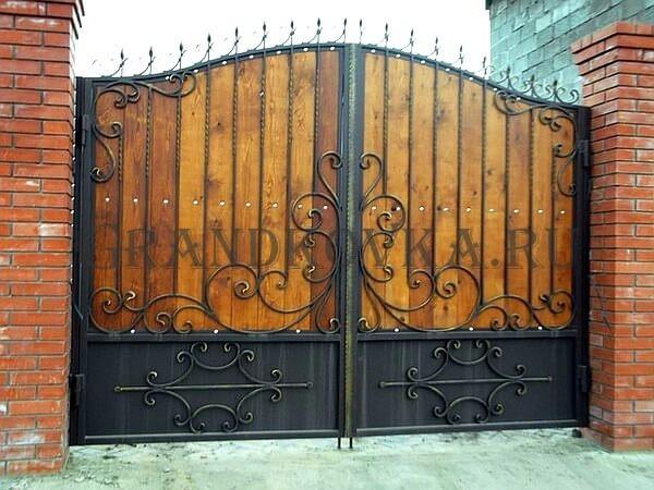 Фото кованых распашных ворот 103