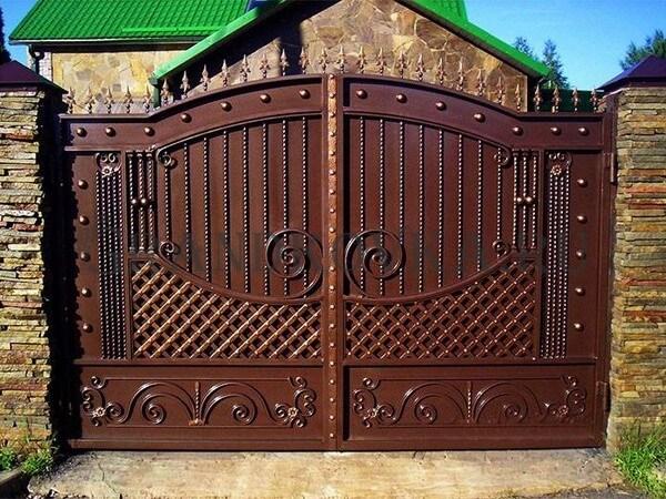 Фото кованых распашных ворот 106
