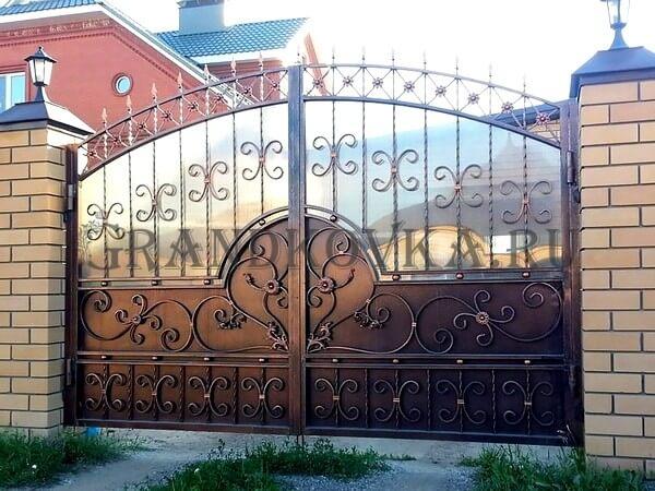 Фото кованых распашных ворот 108