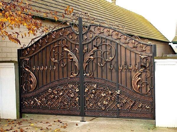 Фото кованых распашных ворот 111