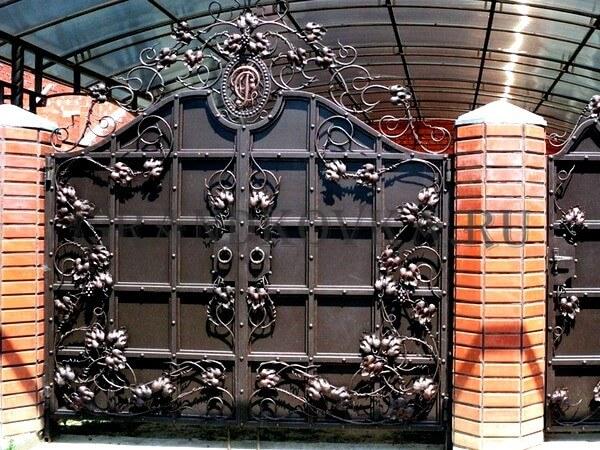 Фото кованых распашных ворот 113