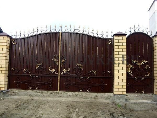 Фото кованых распашных ворот 114