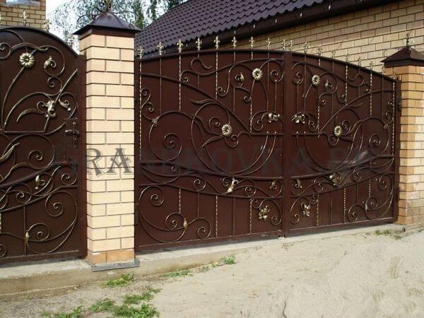 Фото кованых распашных ворот 117