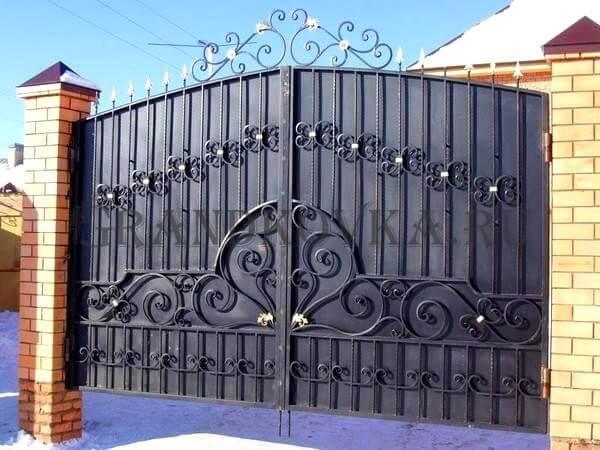 Фото кованых распашных ворот 121