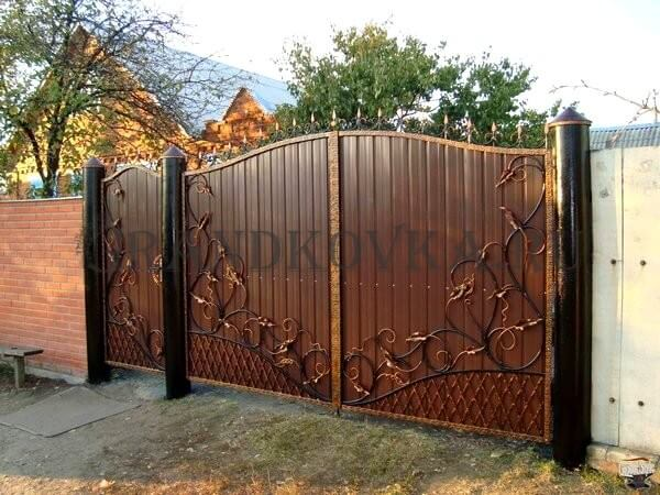 Фото кованых распашных ворот 122