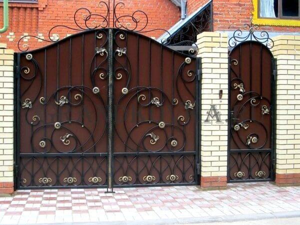 Фото кованых распашных ворот 125