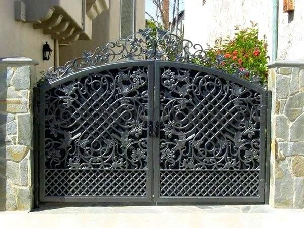 Фото кованых распашных ворот 127