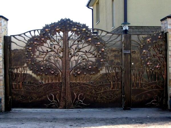 Фото кованых распашных ворот 13
