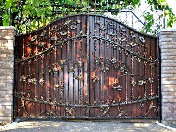 Фото кованых распашных ворот 133