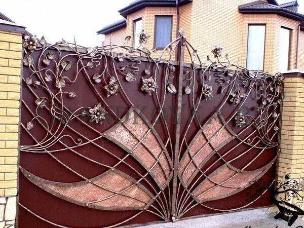 Фото кованых распашных ворот 134