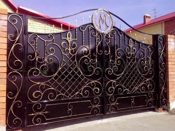 Фото кованых распашных ворот 137