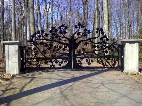 Фото кованых распашных ворот 143