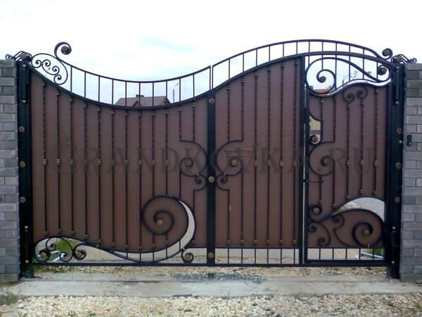 Фото кованых распашных ворот 144