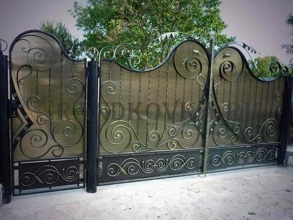 Фото кованых распашных ворот 145