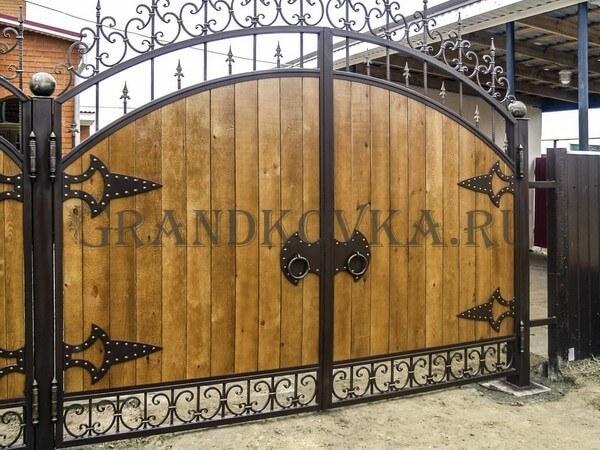 Фото кованых распашных ворот 148