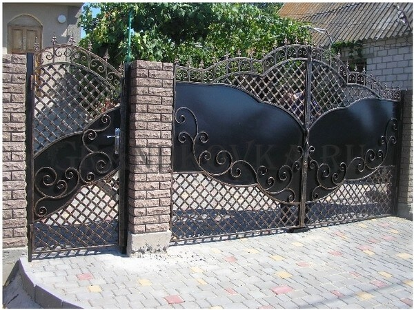 Фото кованых распашных ворот 152