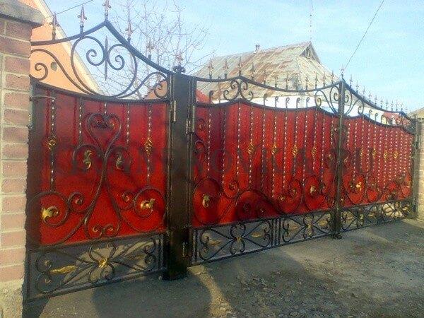 Фото кованых распашных ворот 158