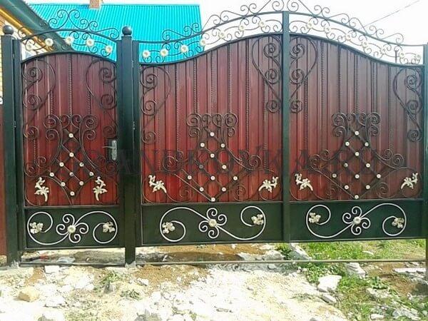 Фото кованых распашных ворот 159