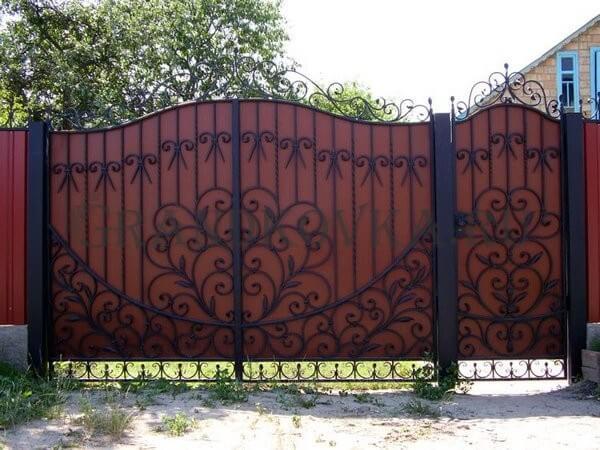 Фото кованых распашных ворот 160