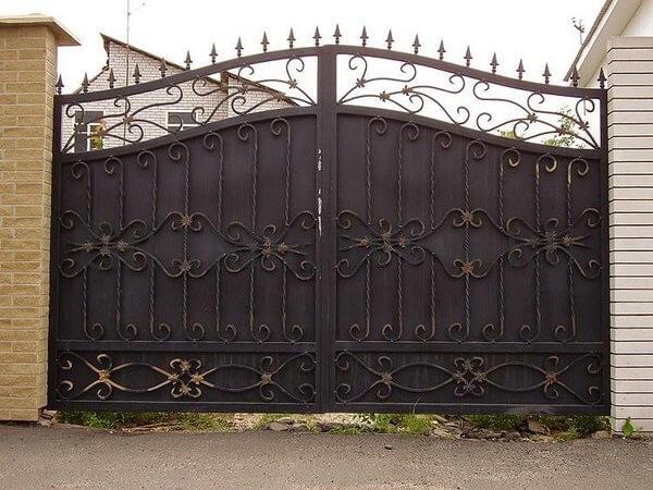Фото кованых распашных ворот 163