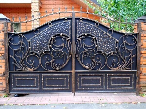 Фото кованых распашных ворот 164