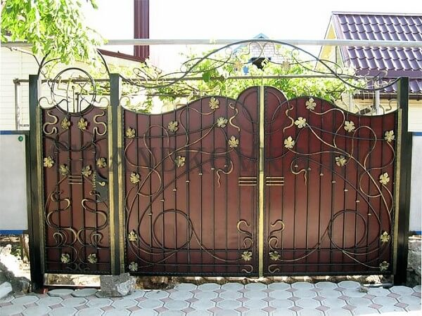 Фото кованых распашных ворот 165