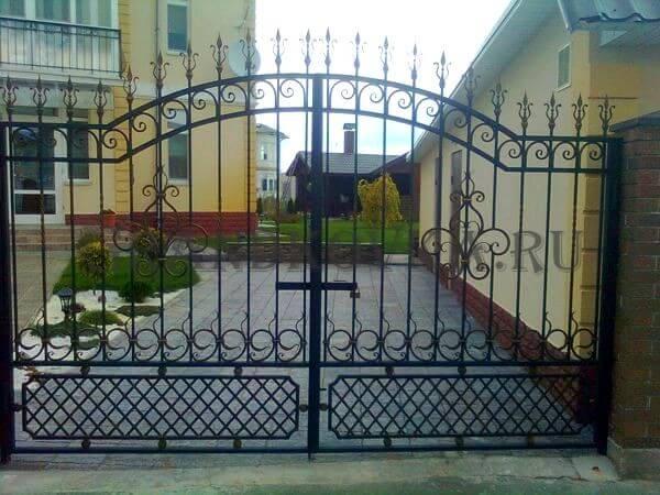 Фото кованых распашных ворот 166