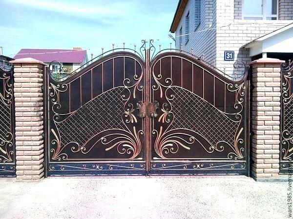 Фото кованых распашных ворот 167