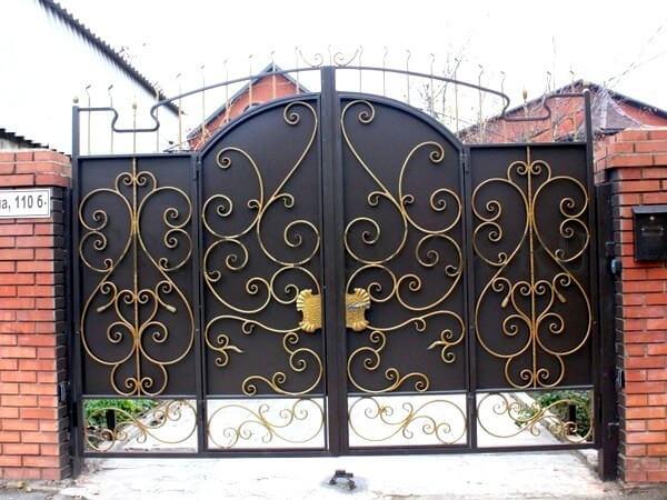 Фото кованых распашных ворот 168