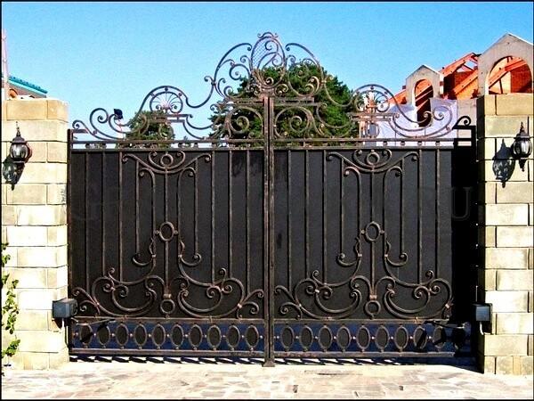 Фото кованых распашных ворот 169