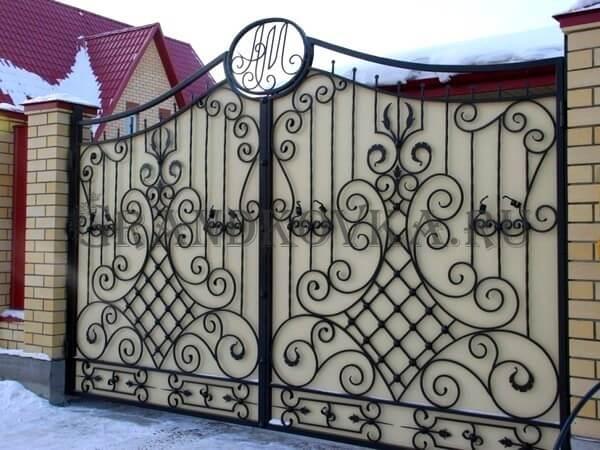 Фото кованых распашных ворот 170