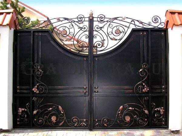 Фото кованых распашных ворот 174